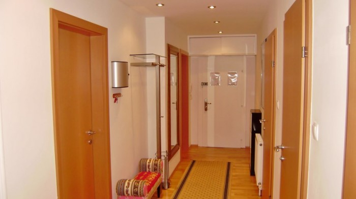 Temporary Accommodation Vienna – Luxury 2 bedroom flat next to Castle Schönbrunn!